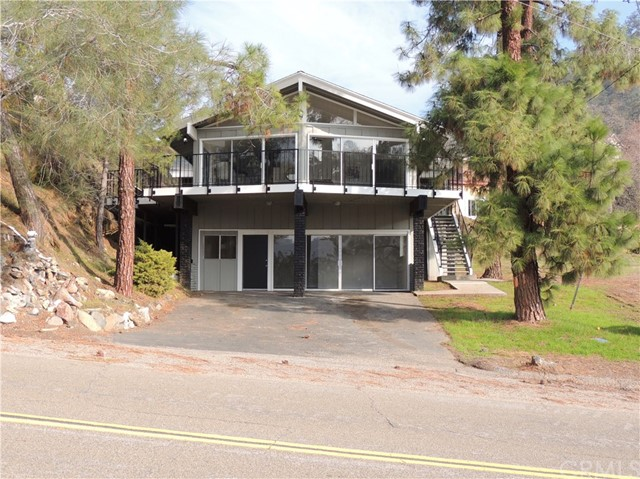 28516 Sky Harbour Road, Friant, CA 93626