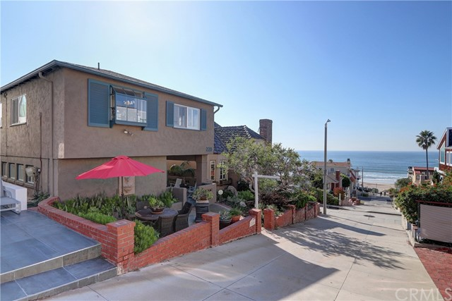 220 32nd Street, Manhattan Beach, CA 90266
