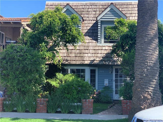 208 9th Street, Huntington Beach, CA 92648