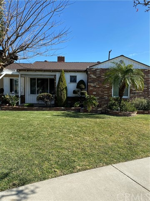 10830 Benfield Avenue, Downey, CA 90241