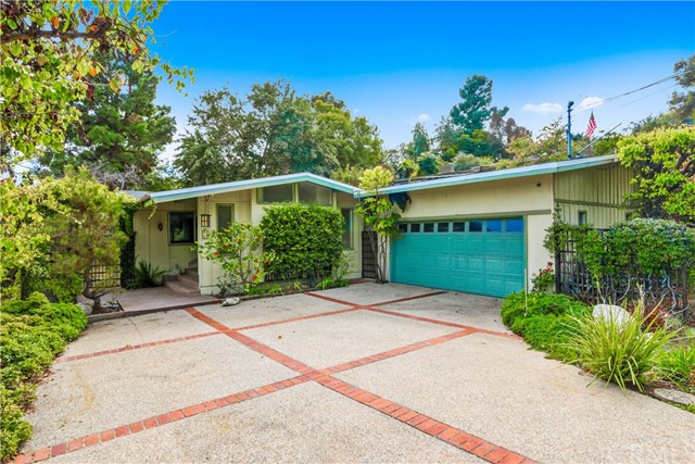 10 Gaucho Drive, Rolling Hills Estates, California 90274, 3 Bedrooms Bedrooms, ,2 BathroomsBathrooms,For Sale,Gaucho,PV18049816