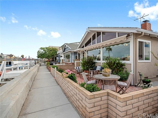213 Grand Canal, Newport Beach, CA 92662