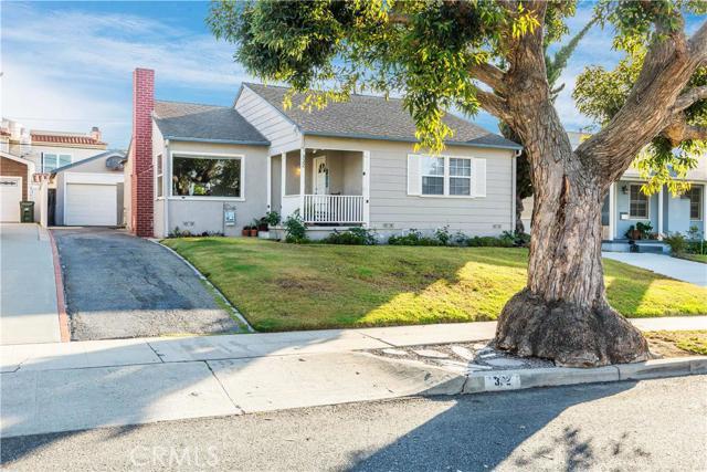 332 Avenue E, Redondo Beach, California 90277, 3 Bedrooms Bedrooms, ,2 BathroomsBathrooms,For Sale,Avenue E,SB16123662