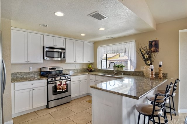 8526 Snow White Drive, El Cajon, CA 92021