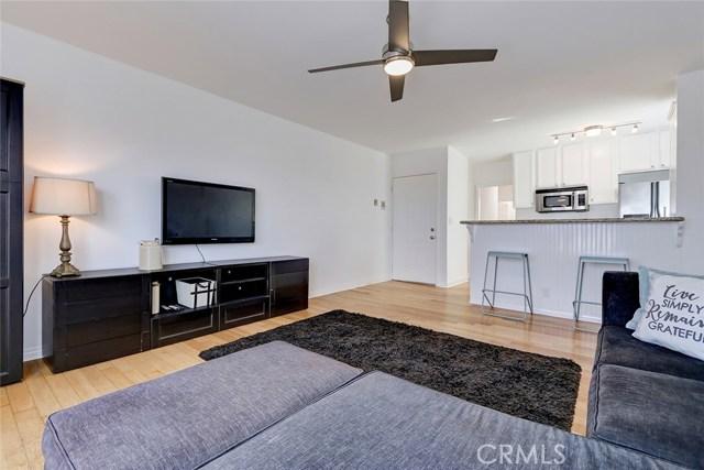 412 Hermosa Avenue 9, Hermosa Beach, California 90254, 2 Bedrooms Bedrooms, ,1 BathroomBathrooms,For Sale,Hermosa,SB20210994