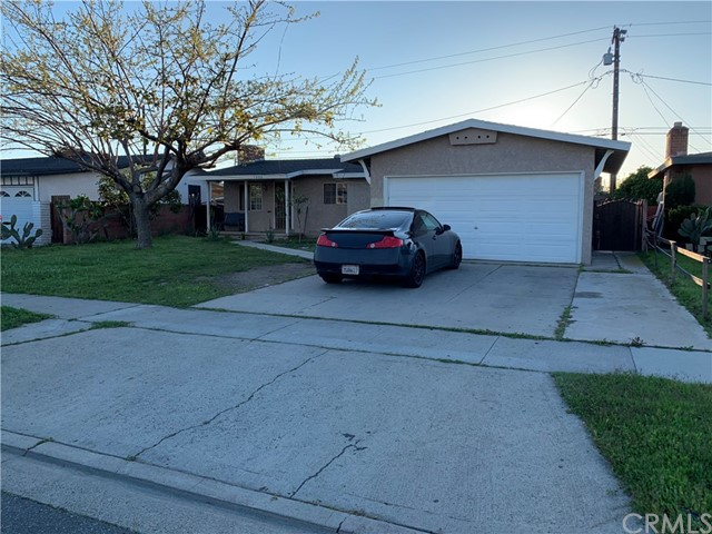1330 S Rita Way, Santa Ana, CA 92704