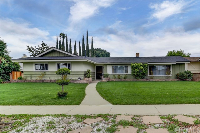 1821 N 2nd Avenue, Upland, CA 91784