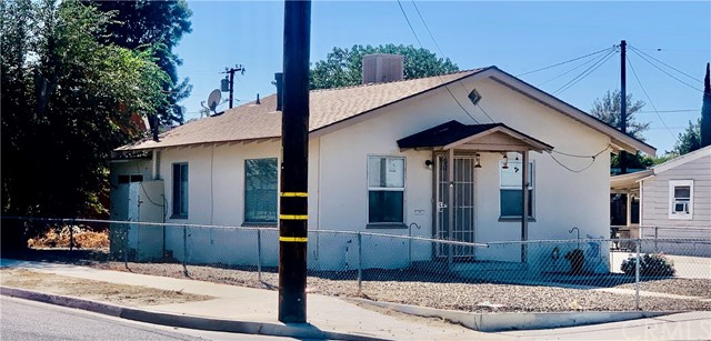 Photo of 401 W Devonshire Avenue, Hemet, CA 92543