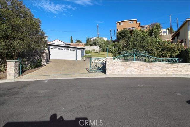20. 2533 Lombardy Boulevard Los Angeles, CA 90032