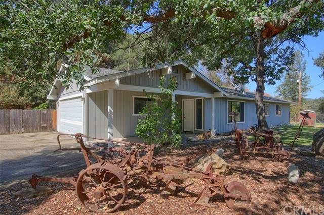 54234 White Oak Place, North Fork, CA 93643