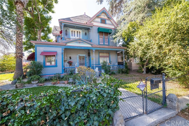 2582 Mission Inn Avenue, Riverside, CA 92507