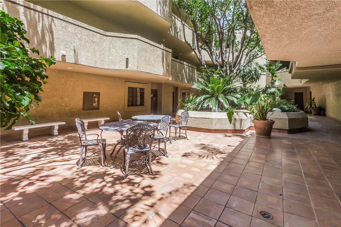 221 S Oak Knoll Av, Pasadena, CA 91101 Photo 32
