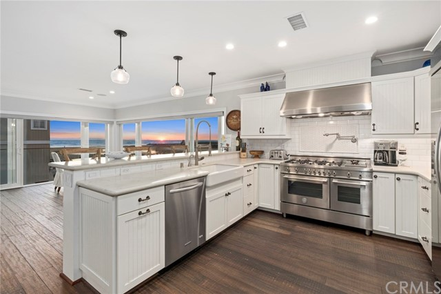 7409 Seashore Drive, Newport Beach, CA 92663