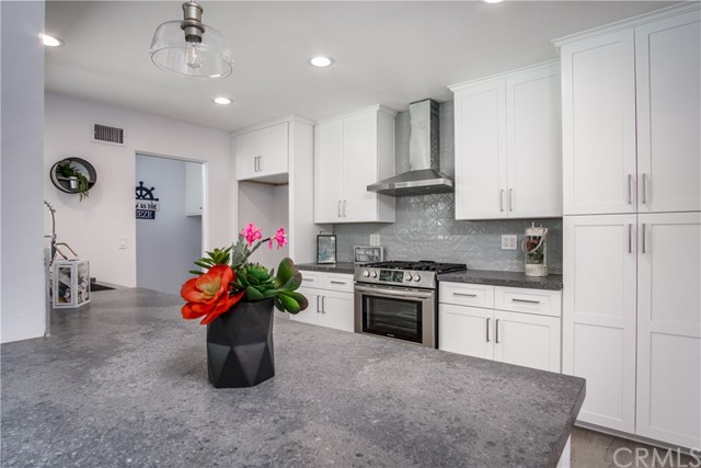 719 N Mountain View Place, Fullerton, CA 92831