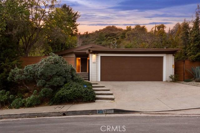 8636 Allenwood Road, Los Angeles, CA 90046