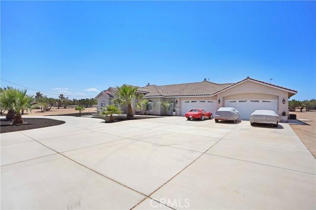 12771 Cedar St, Oak Hills, CA 92344 Photo 1