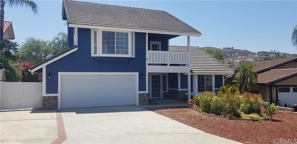 Photo of 30471 Caliente Place, Canyon Lake, CA 92587