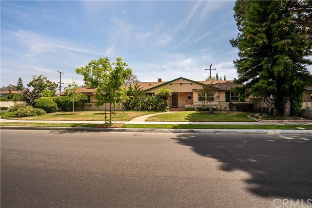 Photo of 1840 W Chalet Avenue, Anaheim, CA 92804