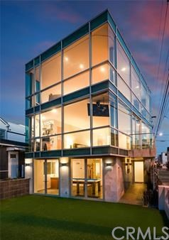 316 10th Street, Manhattan Beach, California 90266, 4 Bedrooms Bedrooms, ,4 BathroomsBathrooms,For Rent,10th,SB20236501