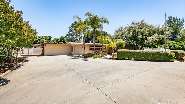 12861 Club Drive, Redlands, CA 92373