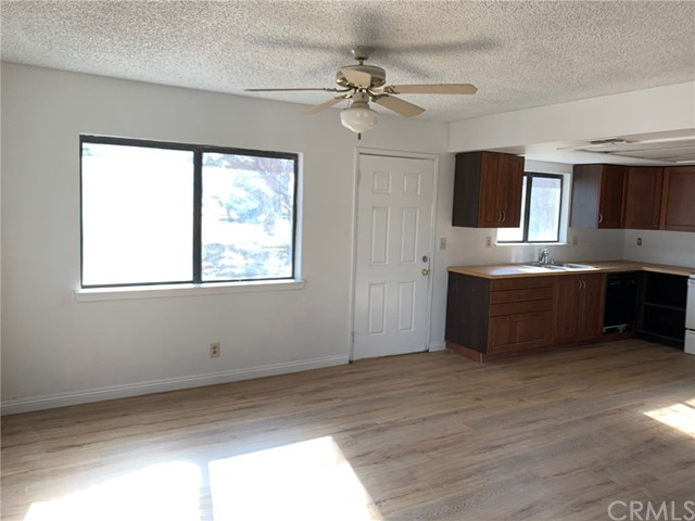 9561 Akron Rd, Lucerne Valley, CA 92356 Photo 5