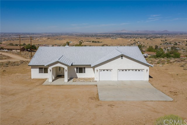 9025 Central Road, Apple Valley, CA 92308