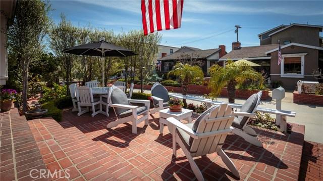 329 4th Street- Manhattan Beach- California 90266, 3 Bedrooms Bedrooms, ,2 BathroomsBathrooms,For Sale,4th,SB18084128