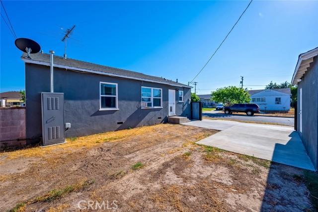 31. 2837 Allred Street Lakewood, CA 90712