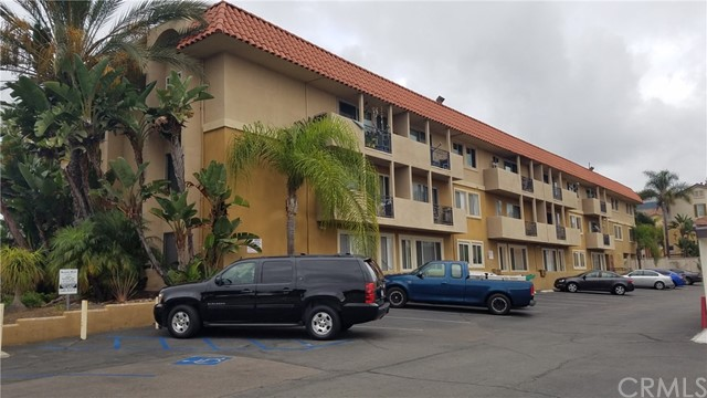 7555 Linda Vista Road 37, San Diego, CA 92111