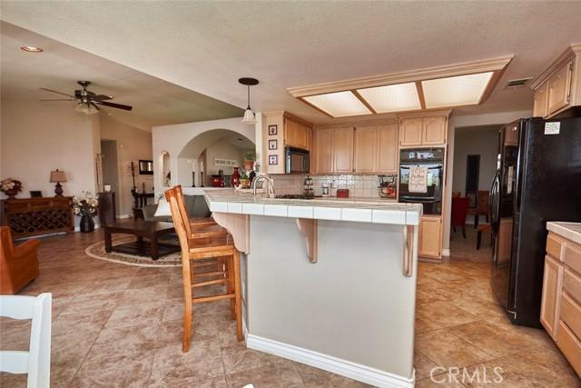 10224 Whitehaven St, Oak Hills, CA 92344 Photo 14