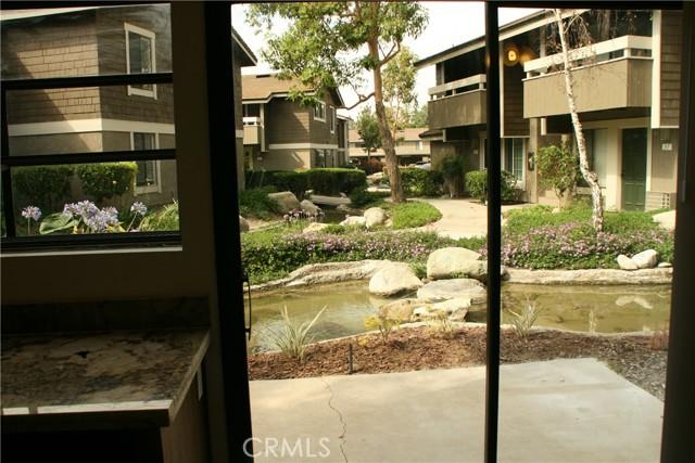 12. 27 Streamwood #27 Irvine, CA 92620