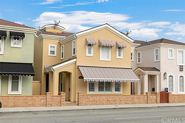208 E Balboa Boulevard, Newport Beach, CA 92661