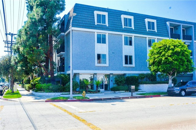 8635 Falmouth Avenue 105, Playa del Rey, CA 90293