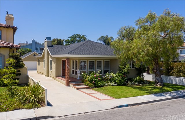 1826 8th Street, Manhattan Beach, California 90266, 3 Bedrooms Bedrooms, ,2 BathroomsBathrooms,For Sale,8th,SB20139233