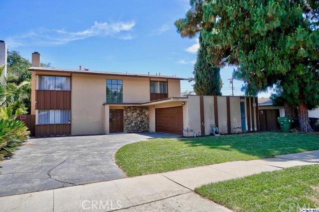 22300 Wyandotte Street, Canoga Park, CA 91303