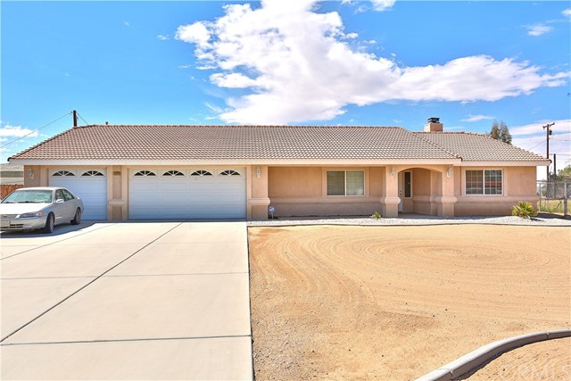 13174 Algonquin Road, Apple Valley, CA 92308