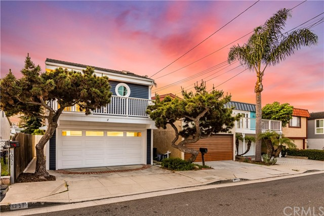 1251 7th Place, Hermosa Beach, California 90254, 3 Bedrooms Bedrooms, ,1 BathroomBathrooms,For Sale,7th,SB20084595