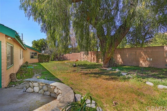 9839 Foothill Pl, Lakeview Terrace, CA 91342 Photo 11