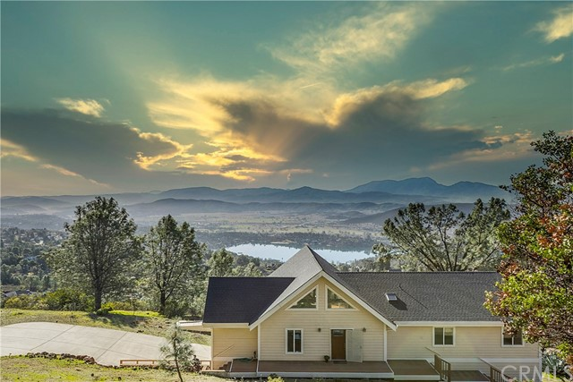 16062 Eagle Rock Rd, Hidden Valley Lake, CA 95467