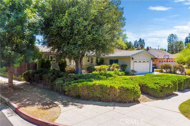 2. 23800 Tiara Street Woodland Hills, CA 91367