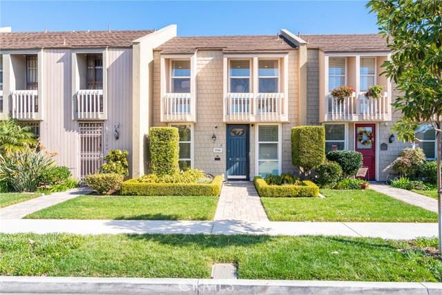 16548 Harbour Lane 13, Huntington Beach, CA 92649