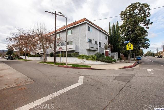 15002 Magnolia Boulevard 9, Sherman Oaks, CA 91403