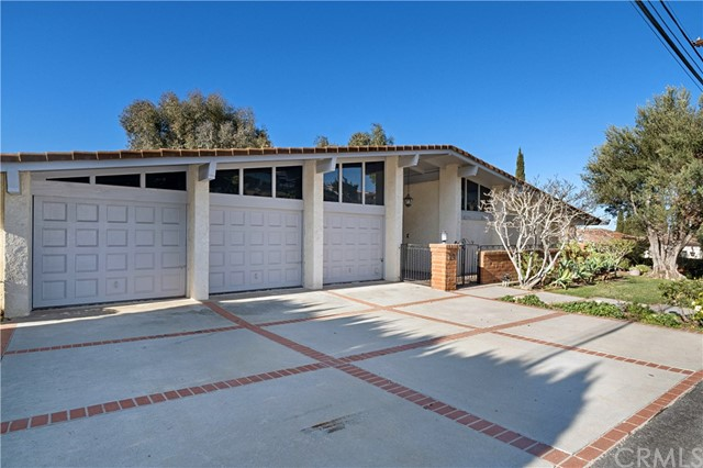19 Martingale Drive, Rancho Palos Verdes, California 90275, 5 Bedrooms Bedrooms, ,4 BathroomsBathrooms,For Sale,Martingale,PV20218566