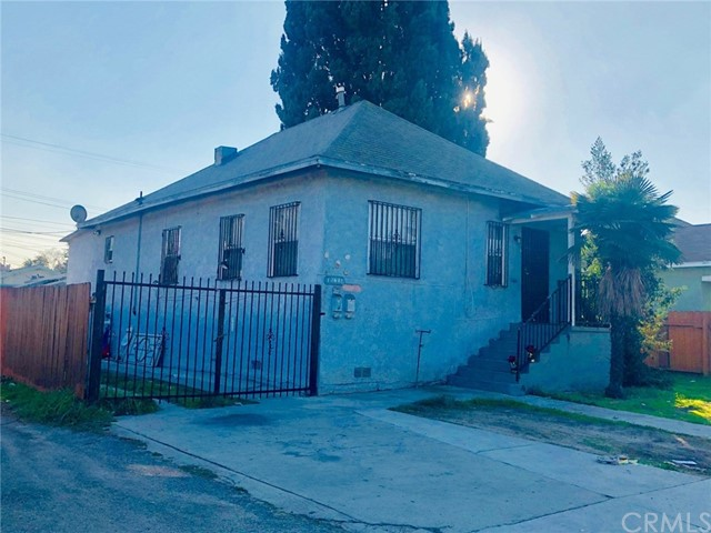 1260 E 49th Street, Los Angeles, CA 90011