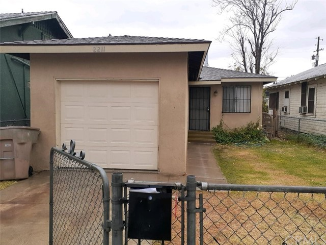 2211 O Street, Bakersfield, CA 93301