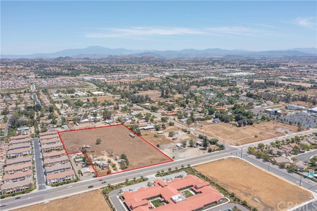 Prime commercial development opportunity on 5.34 level acres in one of Southern CA's fast growing cities. Incorporated in 1991, Murrieta boasts an explosive population growth with a desirable demographic profile of $122.2k average HH income (MAR2021) and Median age of 36.1. With 330ft of frontage and zoned NC, subject property is ideally situated on a high traffic thoroughfare with substantial radius of newer single and multi-family housing communities, and in proximity to schools, freeways and recently approved developments including a 7-Eleven with an 8 pump gas station planned for the adjacent corner lot. Neighborhood Commercial zoning allows for a wide variety of uses including retail, restaurant, offices, gym, grocery store, bank and more. Visit City of Murrieta website for more info on Development and Demographics. Buyer to verify all aspects of the property.