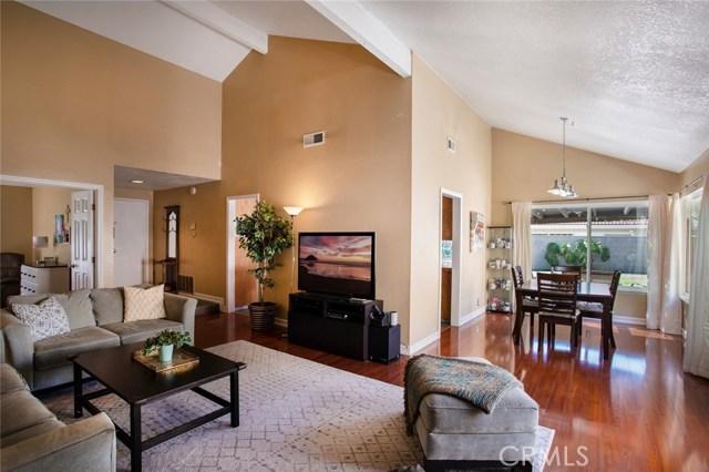 209 W Columbine Avenue, Santa Ana, CA 92707