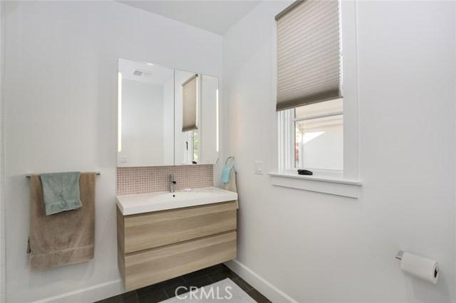 740 Avenue C, Redondo Beach, California 90277, 5 Bedrooms Bedrooms, ,5 BathroomsBathrooms,For Sale,Avenue C,SB18120263