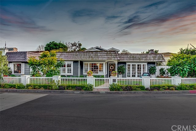 2596 Crestview Drive Newport Beach, CA 92663