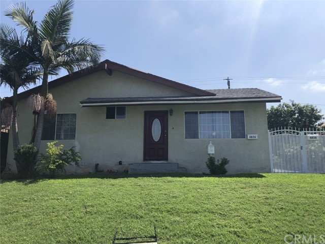 This Duplex is located in a nice area in North Long Beach, near Parks, Middle School, 710 Freeway, and Restaurants. Great opportunity for a first time buyers that are tired of renting and ready to buy. Front unit has 2 bedrooms/1 bath and back unit is a 3 bedrooms/1.75 baths.